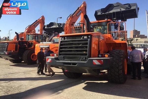 وزير التنمية المحلية يعلن تسليم محافظة الغربية لأول دفعة من المعدات الجديدة لمنظومة المخلفات الصلبة
