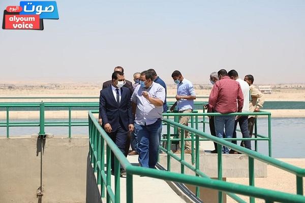 نائب محافظ قنا يتفقد محطة معالجة الصرف الصحي بمدينة فرشوط