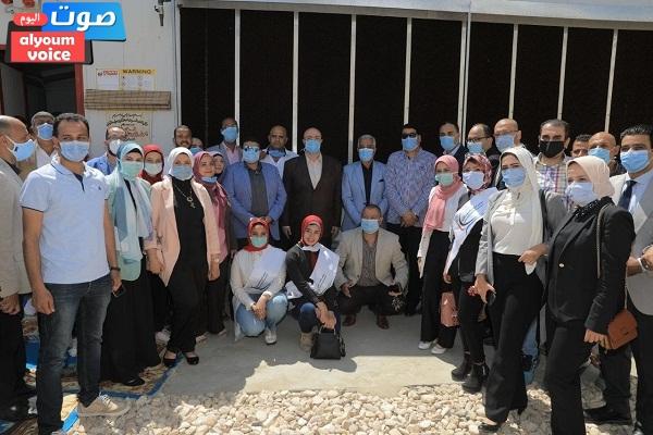 """"""" النائب على بدر """" يشارك في افتتاح تطوير مشروعات الدواجن ببني سويف (صور)"""