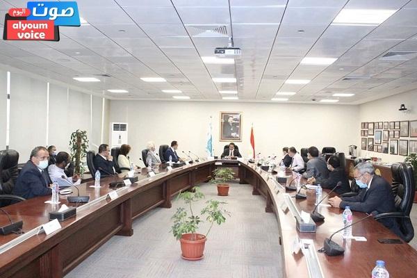 وزير التعليم العالي يتفقد منشآت مدينة زويل ويلتقي برؤساء المعاهد البحثية بالمدينة