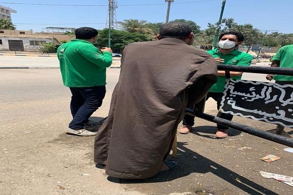 فريق أطفال وكبار بلا مأوى ينجح في إنقاذ مسن بالشارع وينقله لدار عقيلة السماع بالقاهرة