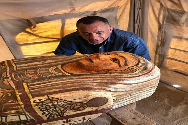 الآثار : ارتفاع عدد التوابيت الأثرية المكتشفة بسقارة لـ 27 تابوتًا حتى الآن