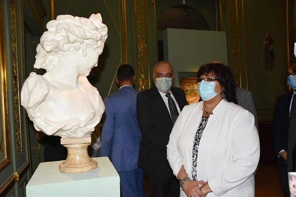 وزيرة الثقافة تفتتح الإصدار الخامس من سلسة كنوز متاحفنا (صور)