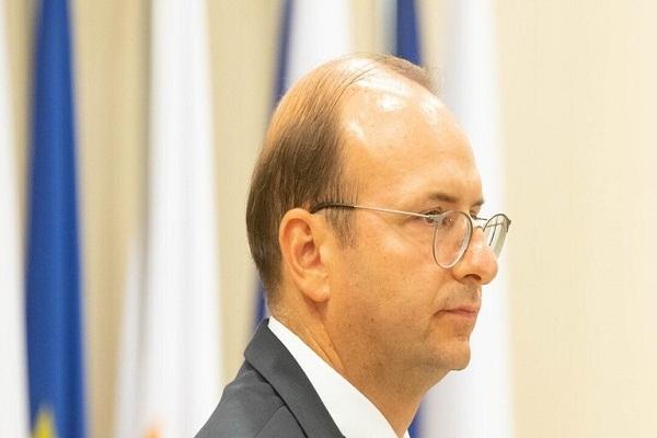 وزير دفاع قبرص يدعو الاتحاد الاوروبي إلى اتخاذ إجراءات حاسمة ضد تركيا