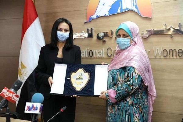 """مايا مرسي: """"سيدة القطار"""" أسعدت قلوب المصريين وهي نموذج مشرف للمرأة المصرية"""