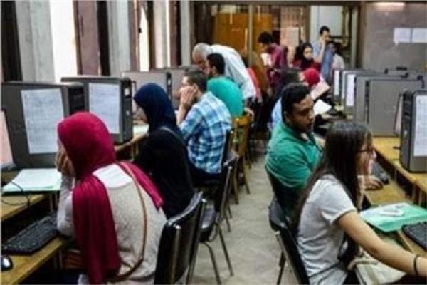 التعليم العالي : ١٠ آلاف طالب وطالبة يسجلون في تنسيق المرحلة الثالثة حتى الآن
